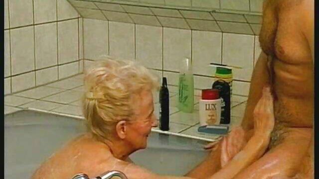 A loira boa bruna ferraz porno gratis vai até ao casting.