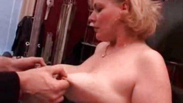 Corpo perfeito. vídeo pornô grátis as novinhas Broche perfeito.